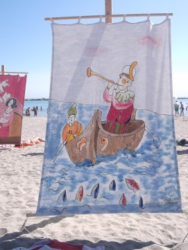 "ART GOES TO THE PUBLIC BEACH: THE INCREDIBLE ""TENTS AT THE SEA"" IN CESENATICO (ITALY)"