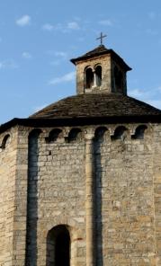 © Photo by ROBERTO ALBORGHETTI - St.John Baptistery, Lenno, Lake Como, Italy (16) (386x640)