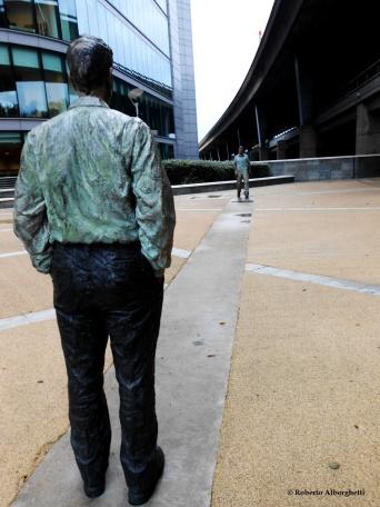 Walking Man and Standing Man - © Roberto Alborghetti (1)