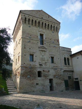 Martinsicuro, TE: Torre Carlo V - The ancient Torre Carlo V.