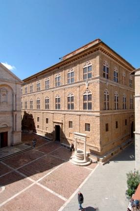 Pienza Palazzo piccolomini foto1