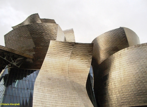 bilbao-spain-the-guggenheim-museum-1